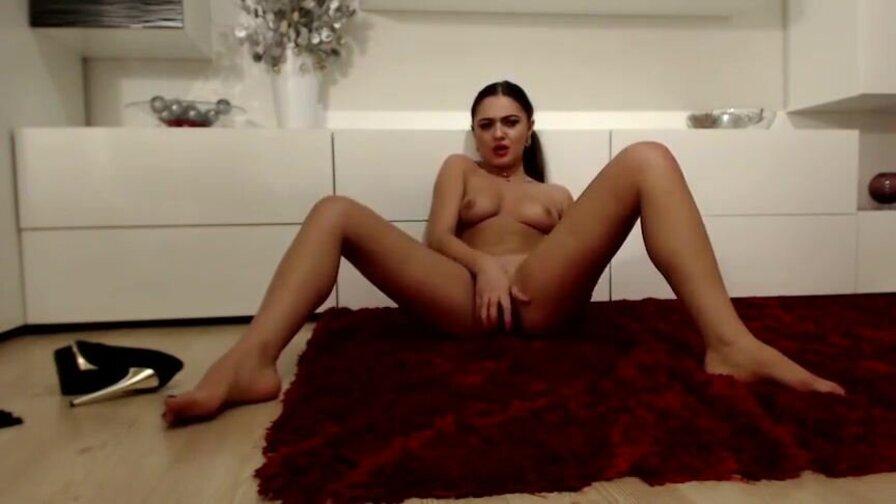 LaylaCherrye – She Prefers The Floor When It Comes To Fucking