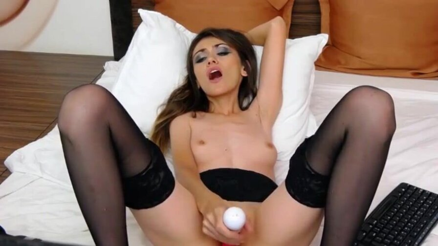 jennasexxy – Remote Vibrator Plus Fingering Equals The Best Sex
